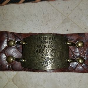 Jewelry - Embossed leather cuff with plate